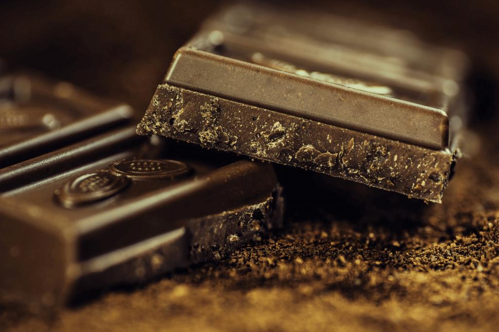 Dark Chocolate mood boosting food for depression