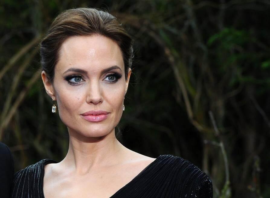 Angelina Jolie – Pitt