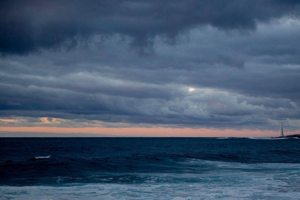 Sea waves a calm Desktop wallpaper