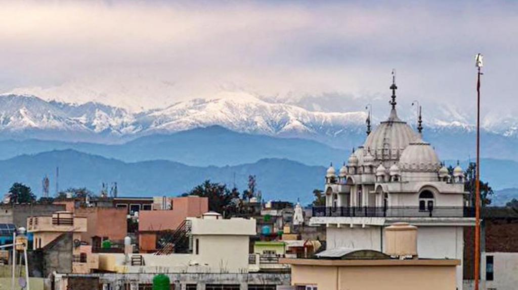Himalayan range visible 100 miles away