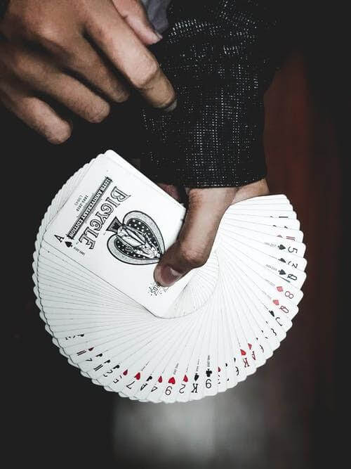Play cards can swift your mood from stress