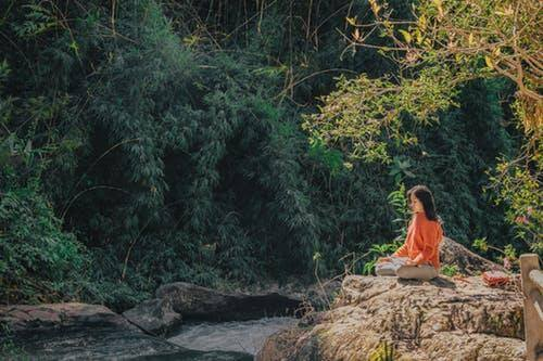 guided meditation for detachment from over-thinking