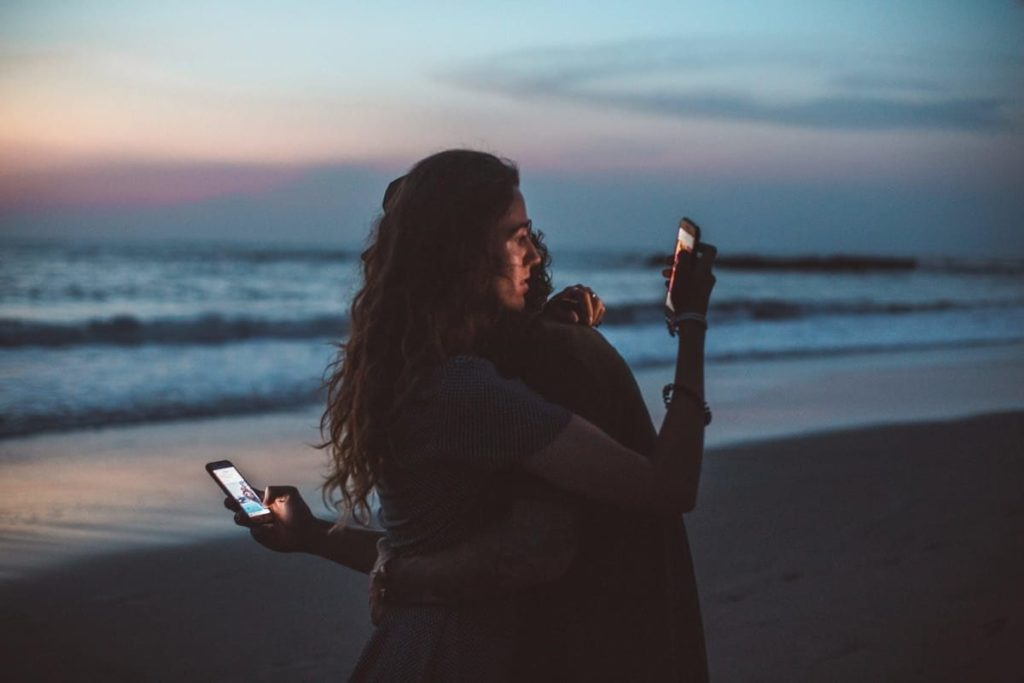 how digital media affects our lives